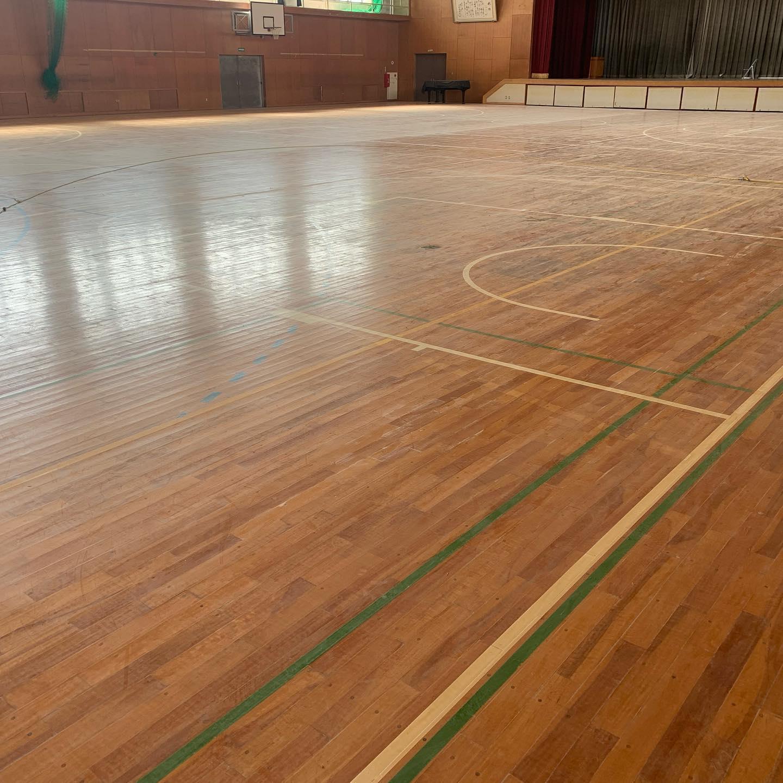 みよし市南部中学校・体育館 床塗装工事